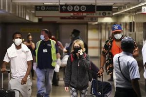 Tín hiệu vui: Chết, nhiễm COVID-19 Mỹ giảm tuần thứ 3 liên tục