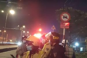 Ô tô chở người quay phim CSGT ở Bình Tân bị chém vỡ đèn