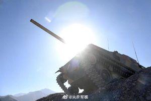 Xe tăng T-15 của Trung Quốc leo núi cực khỏe, Ấn Độ hãy coi chừng!