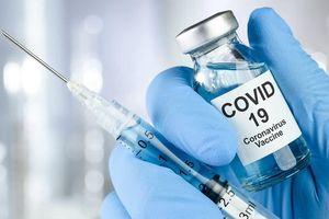 Tiêm vaccine COVID-19: Sẽ không phải tiêm ồ ạt và không theo dõi