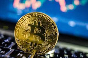 'Điên cuồng' tăng giá, đầu tư Bitcoin dài hạn có rủi ro?