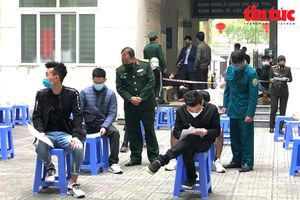 Hà Nội xét nghiệm COVID-19 cho công dân chuẩn bị nhập ngũ