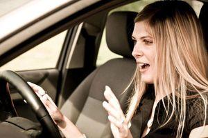Tài xế cần làm gì khi xe ô tô bất ngờ mất lái?