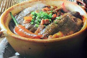 Làm món cá kho tộ thơm ngon hấp dẫn cho cả gia đình