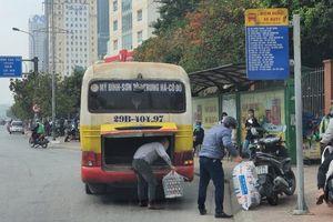 Xe buýt nhái lại lộng hành đường phố Hà Nội