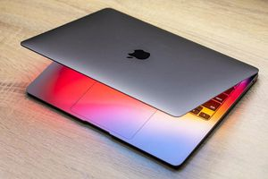 Apple bất ngờ bán MacBook Pro M1 phiên bản giá rẻ hơn 15%, vẫn được bảo hành như máy mới