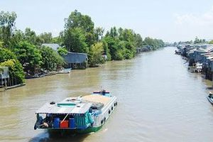 Hạn chế giao thông đường thủy trên kênh Vĩnh Tế (đoạn từ bến đá núi Sam đến ranh Kiên Giang)