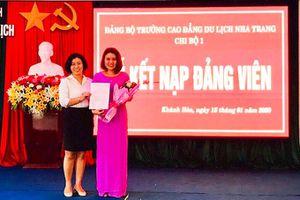Đảng bộ Khối các cơ quan tỉnh Khánh Hòa: Chú trọng công tác phát triển Đảng