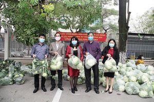 Tứ Kỳ (Hải Dương): Người dân xã Hưng Đạo vui mừng vì giải cứu được nông sản