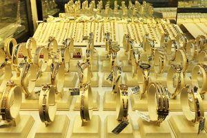 Giá vàng tăng tiếp 250.000 đồng/lượng