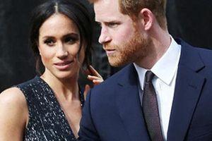 Lời đề nghị của Meghan Markle và Hoàng tử Harry khiến Nữ hoàng khó xử, dân mạng phẫn nộ
