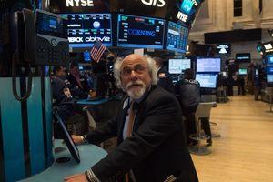 Lo lắng bao trùm giới đầu tư