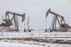 Giá dầu duy trì mức đỉnh hơn 13 tháng dù tồn kho của Mỹ bất ngờ tăng cao