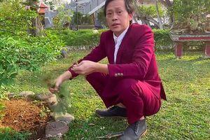 Hoài Linh mặc vest làm vườn, đáp trả bất ngờ khi bị chê 'không tôn trọng khán giả'