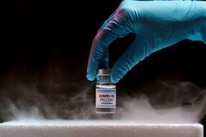 Nhiệt độ - yếu tố 'sống còn' trong quy trình vận chuyển vắc-xin ngừa COVID-19