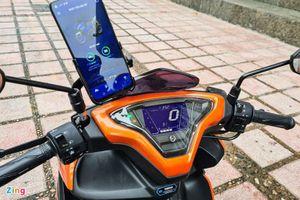 Tính năng kết nối với điện thoại thông minh trên xe máy có thực sự hữu ích?