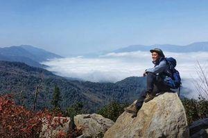 Trần Đặng Đăng Khoa bở hơi tai leo lên nóc nhà Nghệ An để săn mây