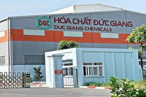 Hóa chất Đức Giang: Chủ tịch mua xong 1 triệu cổ phiếu
