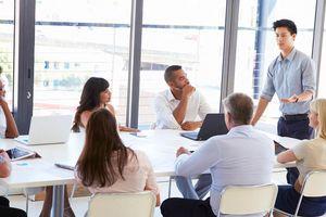 Dịch Covid-19 phức tạp, nhu cầu tuyển dụng nhân sự nhiều ngành vẫn tăng cao
