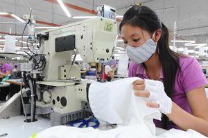 Covid-19 làm lung lay vị trí của dệt may Việt Nam trong chuỗi cung ứng toàn cầu