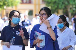 Tranh cãi thi lớp 10 ở Hà Nội theo hộ khẩu: 'Nếu giỏi thì học đâu cũng giỏi'