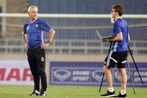 AFC vẽ đường cho UAE ngược dòng?