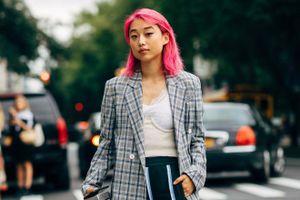 Tổng biên tập 27 tuổi của Vogue Trung Quốc ăn mặc sành điệu