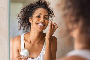Phụ nữ da màu chi hơn 8 tỷ USD/năm mua kem tẩy trắng