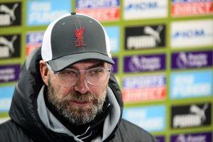 MU chốt trung vệ mới, Klopp có thể rời Liverpool