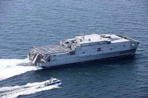 Tàu chiến Mỹ bất ngờ xuất hiện sát căn cứ Hải quân Nga