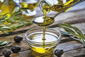 Tại sao nên uống một thìa dầu ô liu vào buổi sáng?