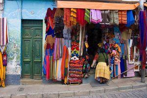 Khám phá khu chợ 'phù thủy' bán đủ loại 'bùa yêu', mỗi ngày thu hút cả trăm du khách