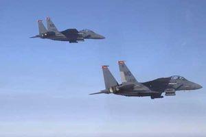 CLIP: Xem 'đại bàng' F-15E phô diễn kỹ thuật, chao lượn ấn tượng trên bầu trời