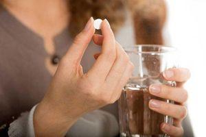 4 loại nước cấm bạn dùng để uống thuốc