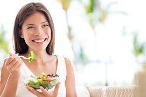 4 nguyên tắc ăn uống để phụ nữ trên 30 trẻ lâu
