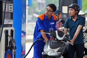 Giá xăng tăng mạnh hơn 800 đồng/lít từ chiều nay