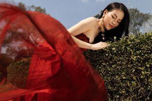 Hoa hậu Phương Khánh tái xuất đẹp mê hồn sau thời gian 'bốc hơi' Vbiz