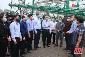 Thứ trưởng Bộ NN&PTNT Phùng Đức Tiến kiểm tra công tác chống khai thác IUU và phòng, chống dịch bệnh động vật tại Thanh Hóa