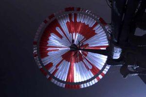 Thông điệp bí mật được cài cắm trong chiếc dù của tàu thám hiểm sao Hỏa
