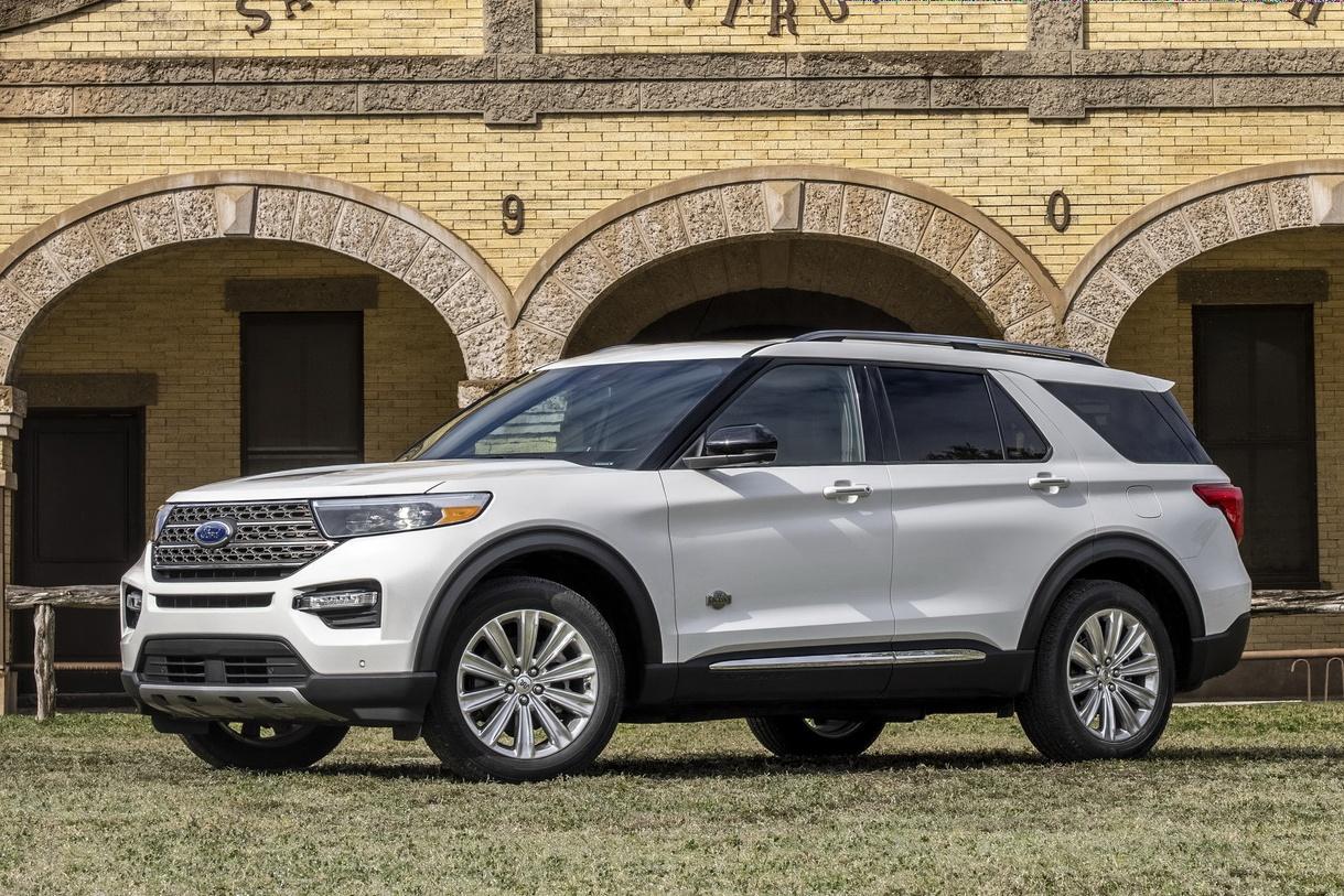 Ford Explorer King Ranch 2021 được ra mắt, giá từ 52.350 USD
