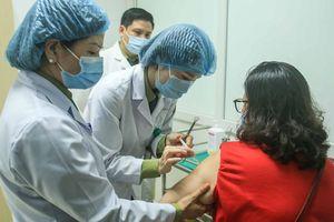 Vaccine Nanocovax ngừa Covid-19 được tiêm cho các tình nguyện viên ở giai đoạn 2