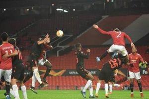 VAR quay lưng, Man United đánh rơi chiến thắng tại Old Trafford