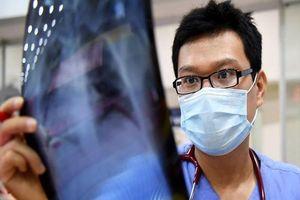 Ấm lòng nhật ký vào tâm dịch của bác sĩ 'Húng Ngò'