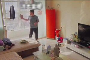 Mẹ lắp camera giám sát mọi cử động, bất ngờ phát hiện ra tài năng của con trai nhưng lại dấy lên tranh cãi