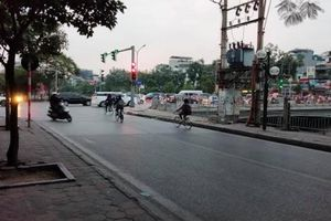 Hà Nội: Rào chắn, phân luồng giao thông để thi công cầu Yên Hòa