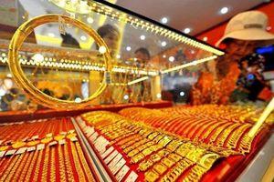 Giá vàng trong nước giảm mạnh theo thị trường thế giới