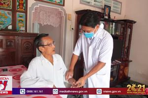 Bác sĩ người Khmer hết lòng vì bệnh nhân nghèo