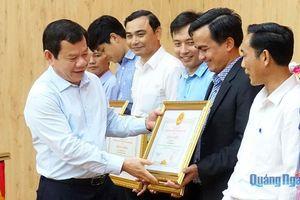 Khen thưởng 63 tập thể, cá nhân xuất sắc trong công tác tham mưu, phục vụ Đại hội Đảng bộ tỉnh