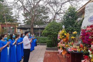 Bệnh viện YHCT Nghệ An dâng hương tưởng nhớ Đại danh y Hải Thượng Lãn Ông Lê Hữu Trác