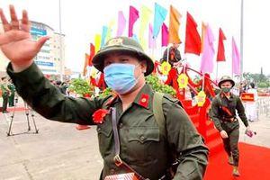 Hơn 1.000 thanh niên Đà Nẵng lên đường nhập ngũ